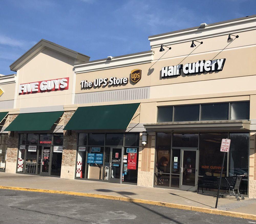 The UPS Store: 4222 Fortuna Center Plaza, Dumfries, VA