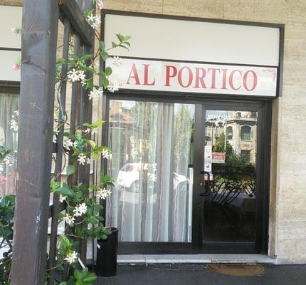 Al portico pizzerie via fratelli di dio 3 corsico for Avvolgere l aggiunta portico