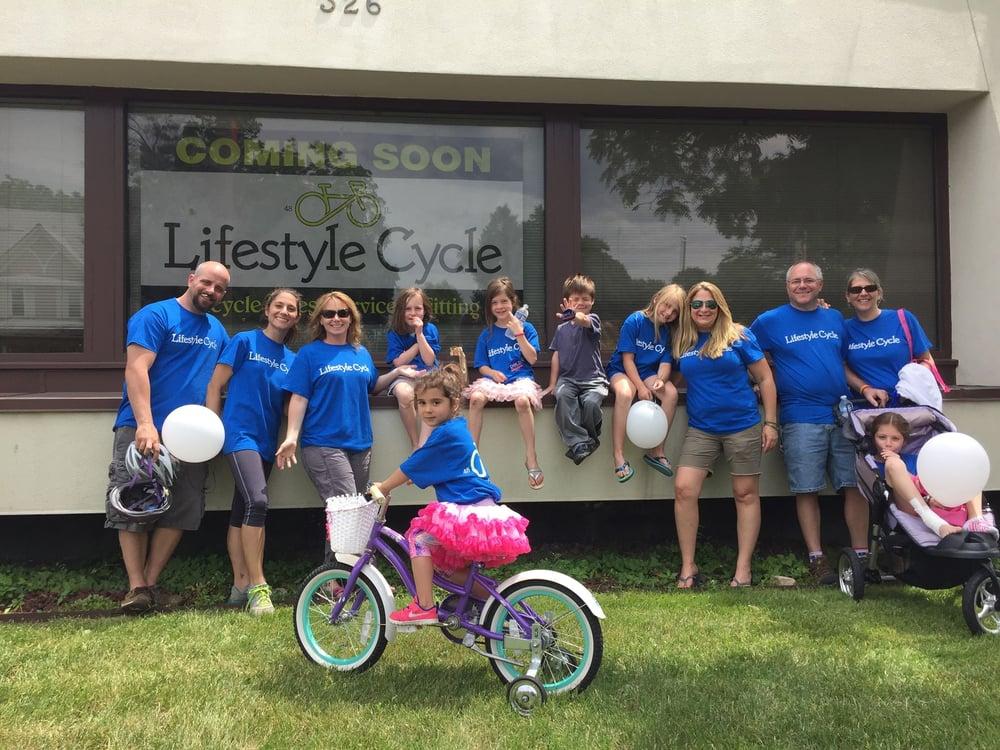 Lifestyle Cycle: 326 S Milwaukee Ave, Libertyville, IL