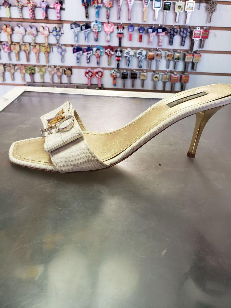 Michaels Shoe Repair: 174 Gardiners Ave, Levittown, NY