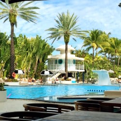 Photo Of The Raleigh Hotel Miami Beach Fl United States Sitting Poolside