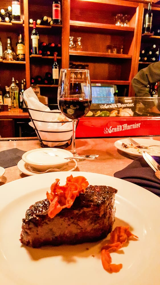 Buckley's Great Steaks: 438 Daniel Webster Hwy, Merrimack, NH