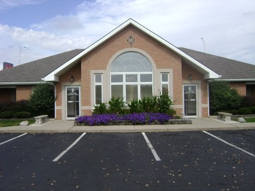 Lancaster Animal Clinic: 1311 River Valley Blvd, Lancaster, OH
