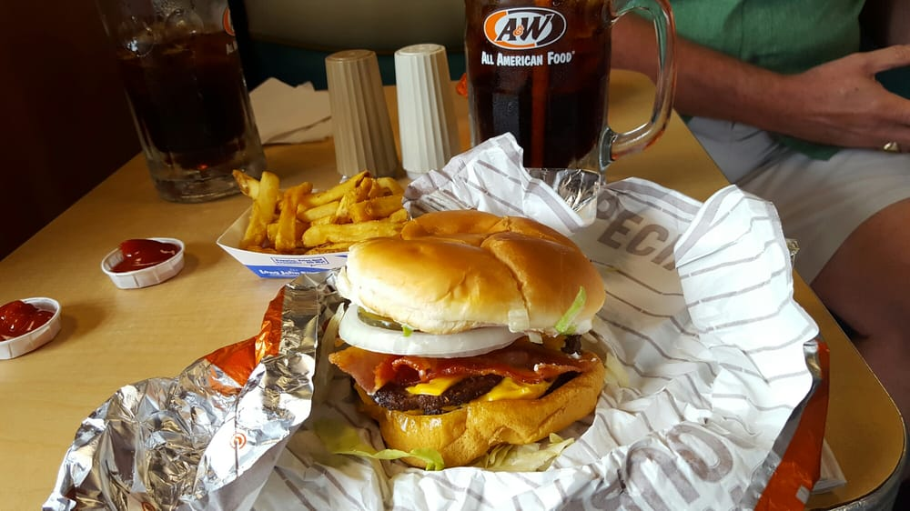 A&W Restaurant: 788 Maple Valley Dr, Farmington, MO