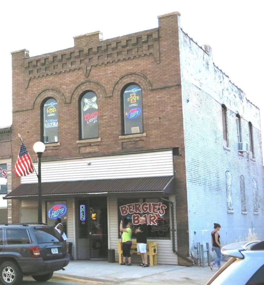 Bergie's Bar: 215 4th St, Sioux City, IA