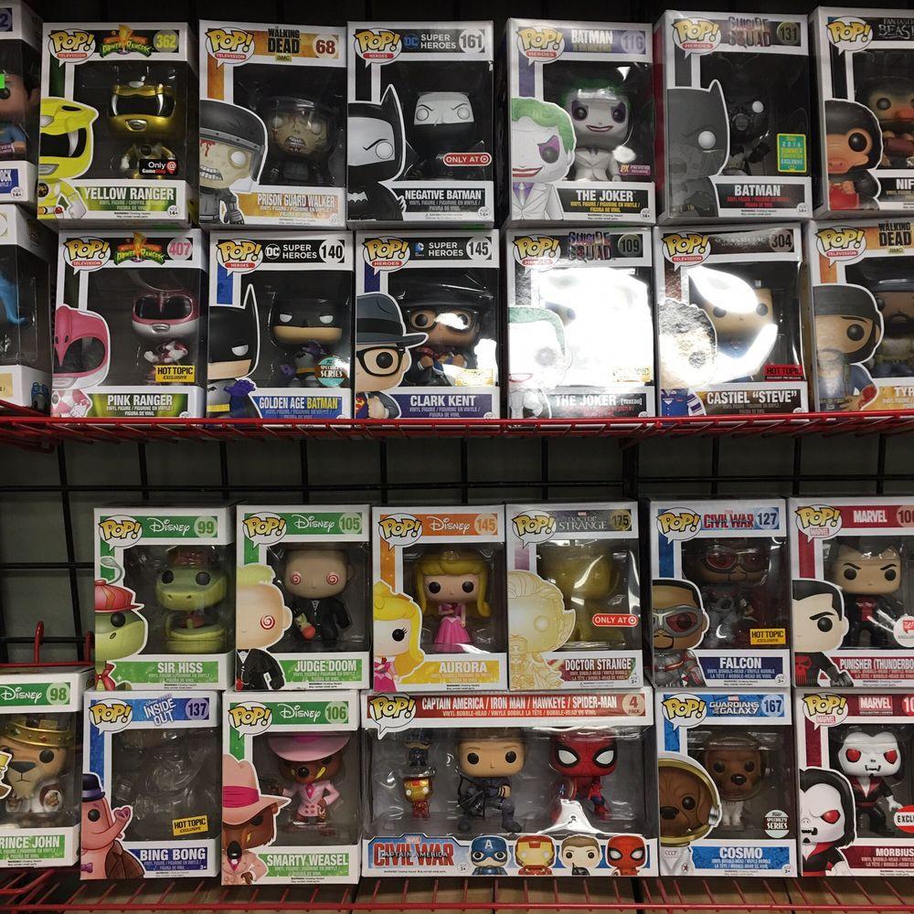 316 Collectibles: 4000 Newpark Mall, Newark, CA