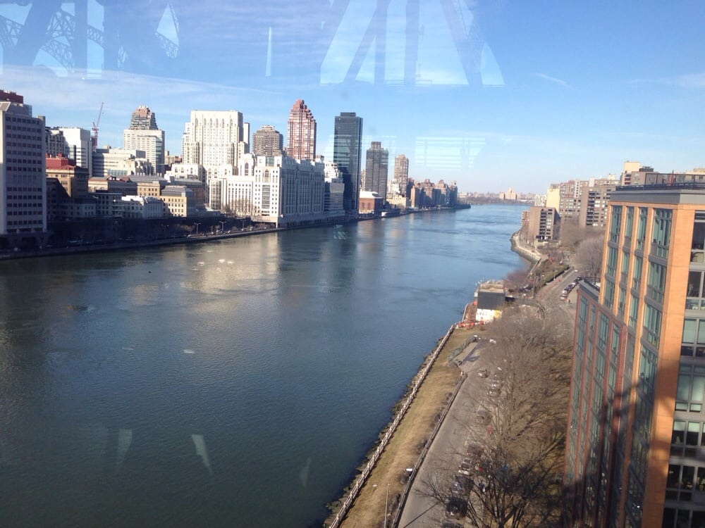 Photo of Roosevelt Island Tramway - New York, NY, United States. Beatiful afternoon