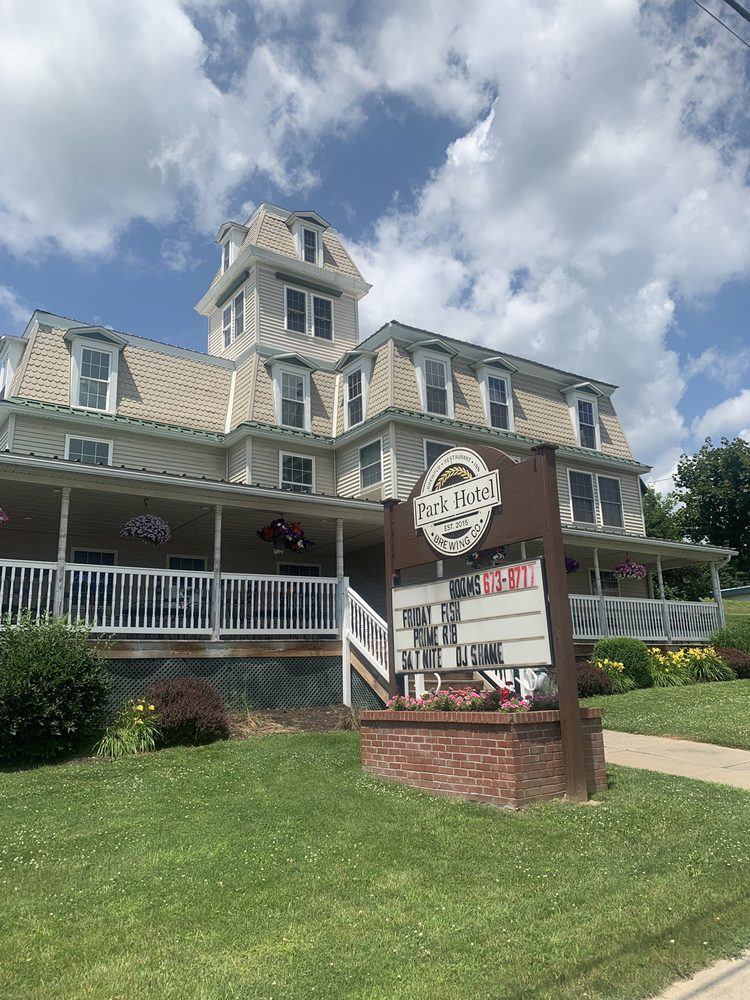 Park Hotel: 127 Troy St, Canton, PA