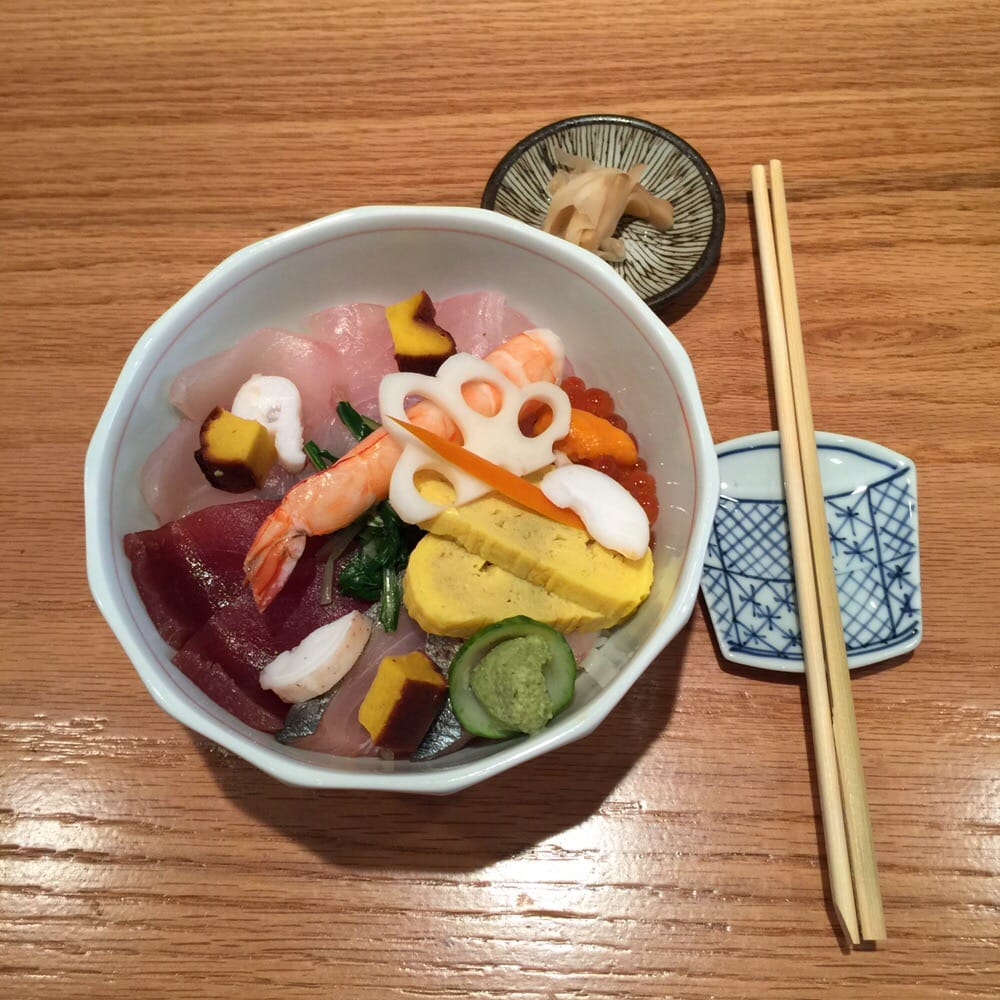how to eat chirashi bowl