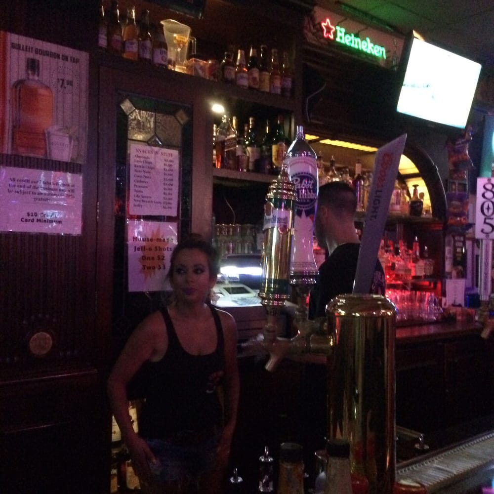Steiner's Tavern: 465 1st St W, Sonoma, CA