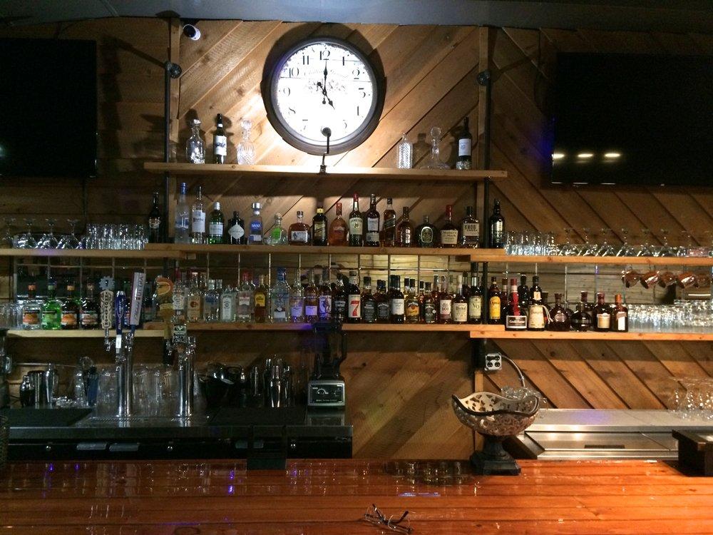 Unplugged Pub: 25 Everett St, Bryson City, NC