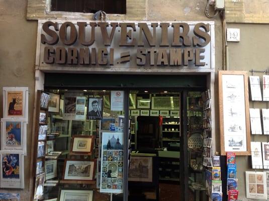 Souvenir cornici e stampe negozi di souvenir via della for Cornici in vendita