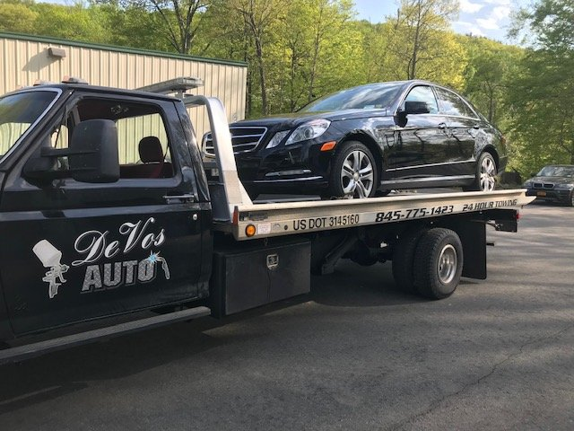 Towing business in Crawford, NY