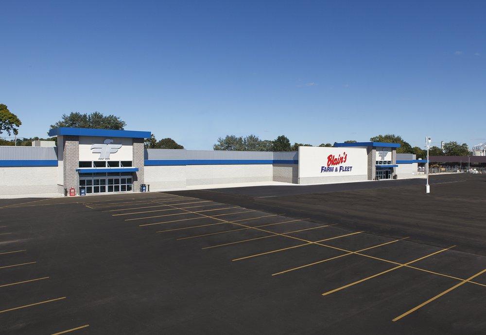 Blain's Farm & Fleet - Clinton, Iowa: 1600 Lincoln Way, Clinton, IA