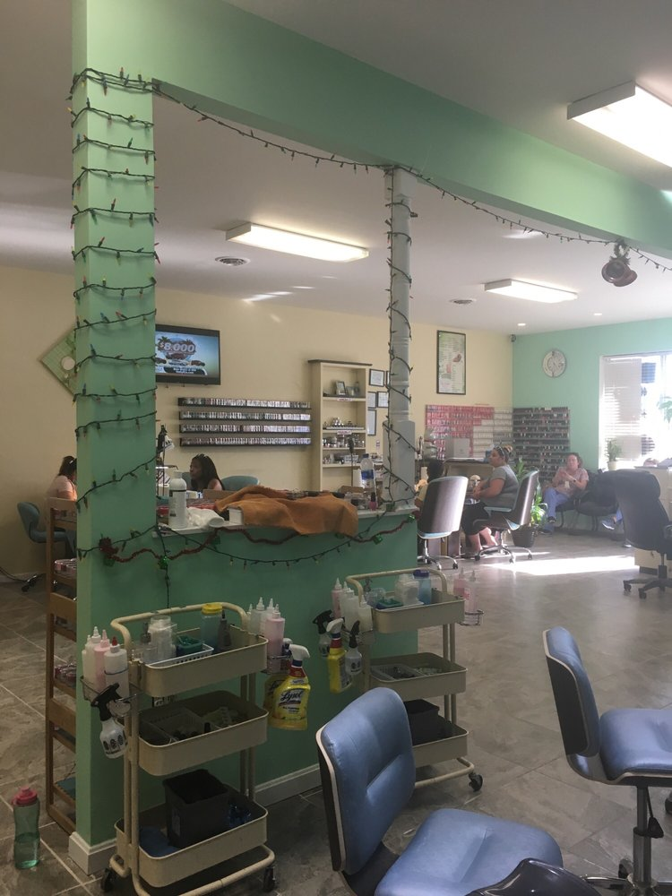 Kd Nail and Spa: 1053 N Walnut St, Milford, DE