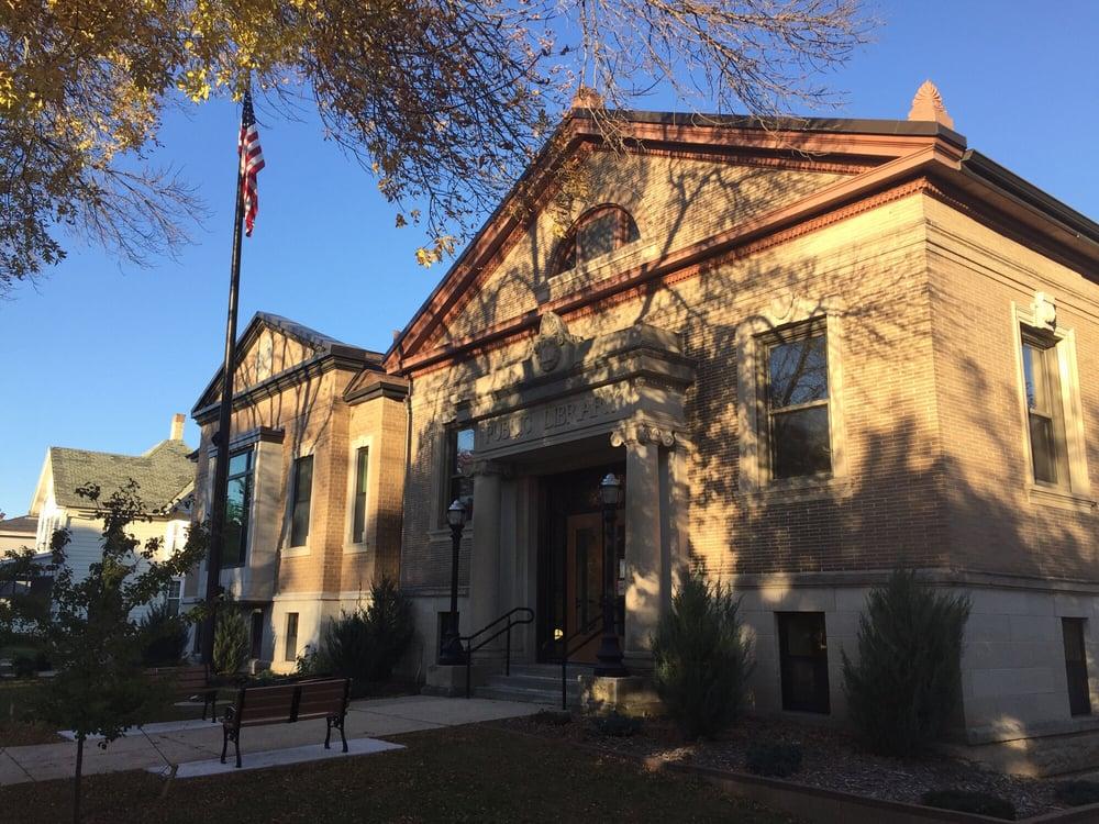Edgerton Public Library: 101 Albion St, Edgerton, WI
