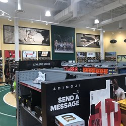 Dicks sport store waldorf md