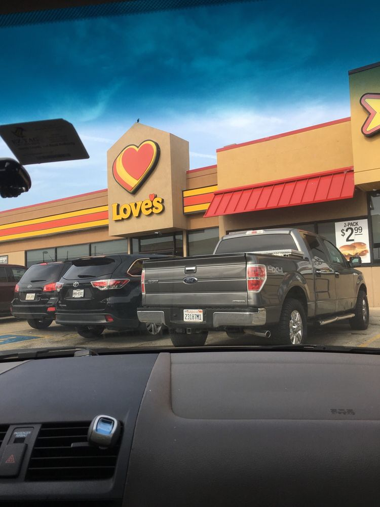 Love's Travel Stop: 1118 Lowe-Grout Rd, Lake Charles, LA