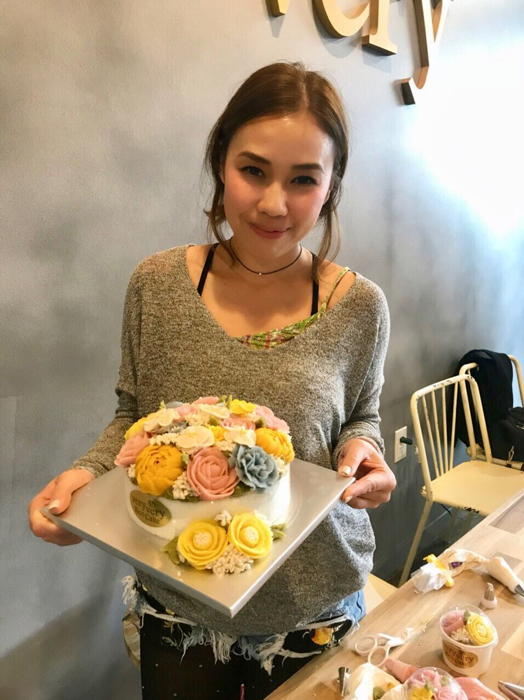 White bean paste flower private class with Jiniee - Yelp