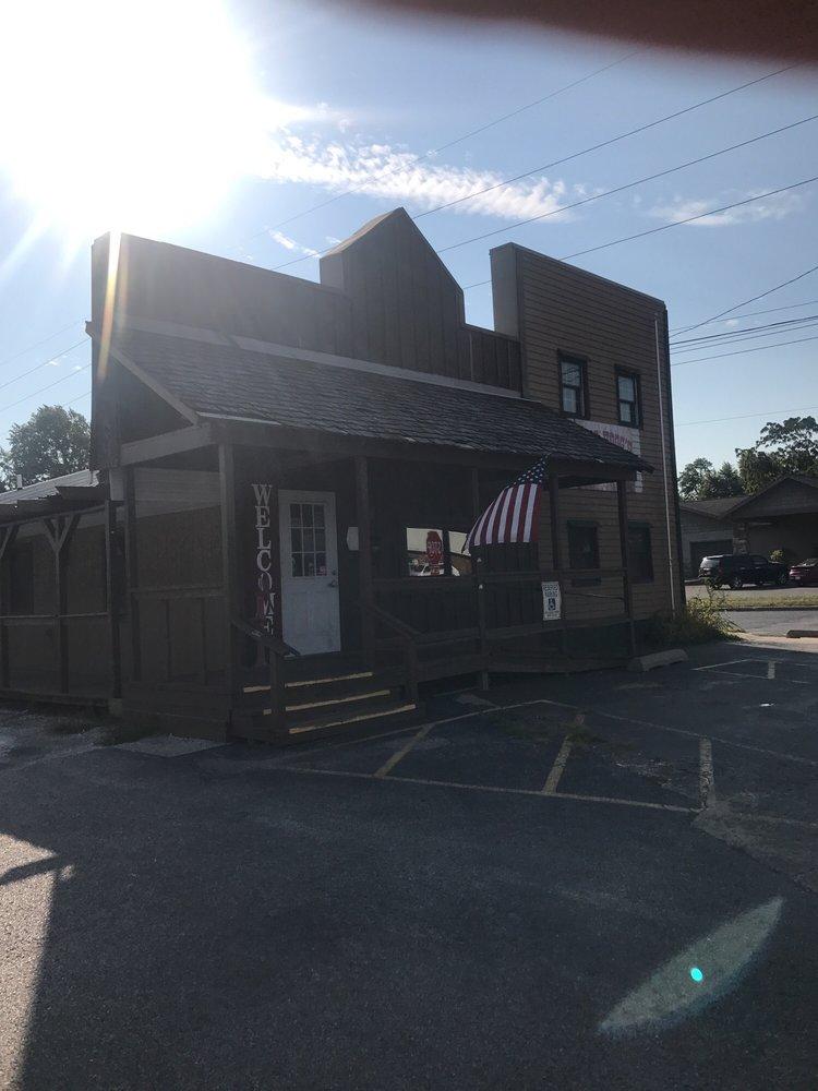 Boss Hogg's: 1000 N Main St, Jacksonville, IL