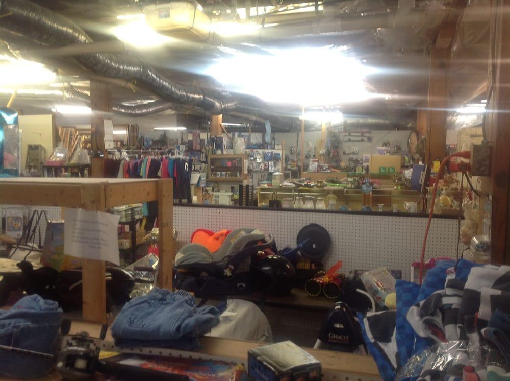 Photo of This-N-That Indoor Flea Market: Hyden, KY