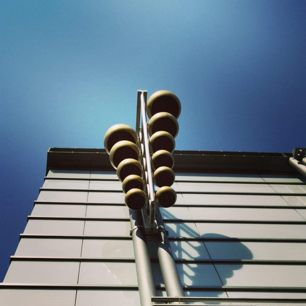 Glockenspiel An Der Frontseite Yelp