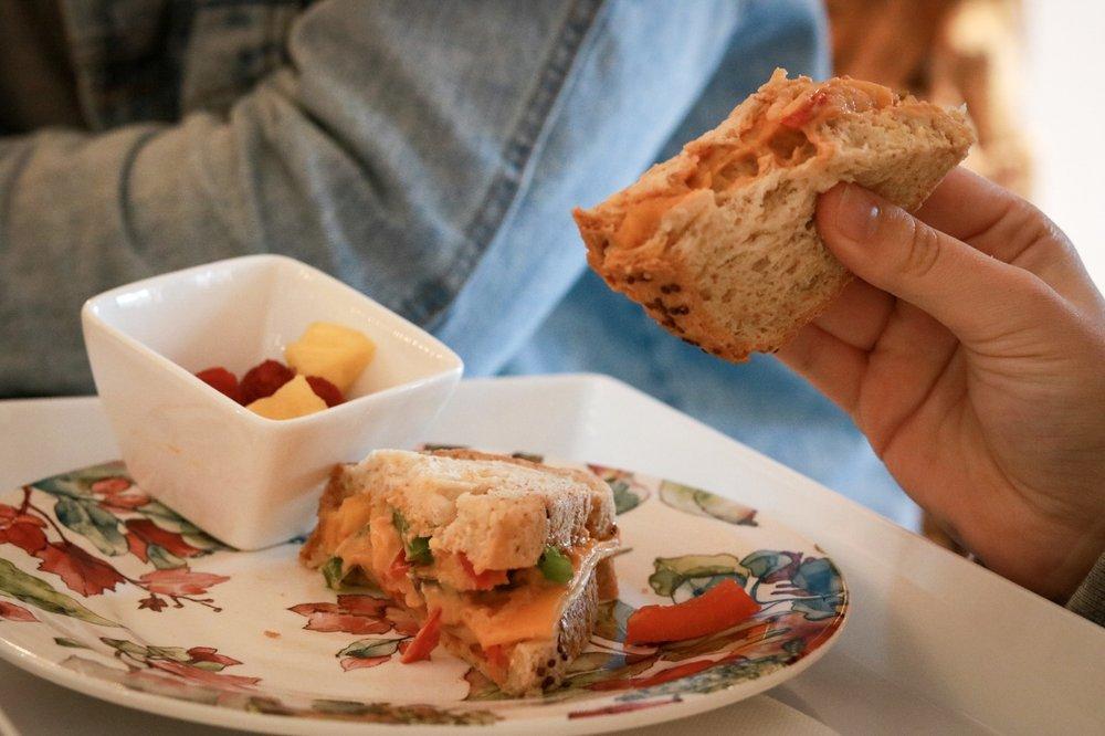 Persnickety Crane Cafe: 209 Village Ave, Yorktown, VA