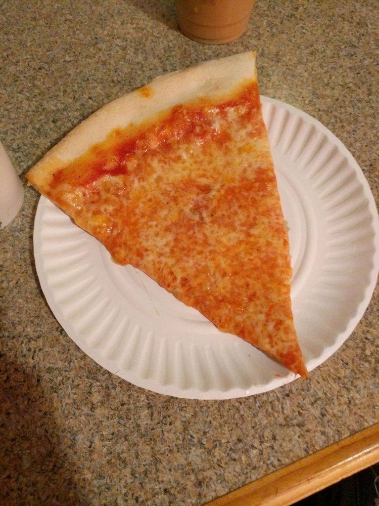 Astro's Pizza: 237 Main St, Amagansett, NY