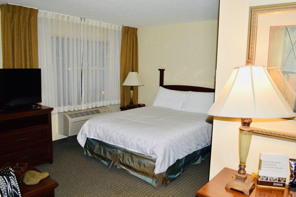 Staybridge Suites Omaha 80th And Dodge: 7825 Davenport St, Omaha, NE