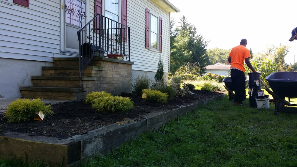 Leafstone Landscapes: 7230 Northfield Rd, Walton Hills, OH