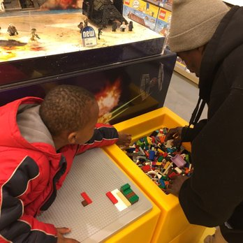 Lego Store - 33 Photos & 26 Reviews - Toy Stores - 7966L Tysons ...