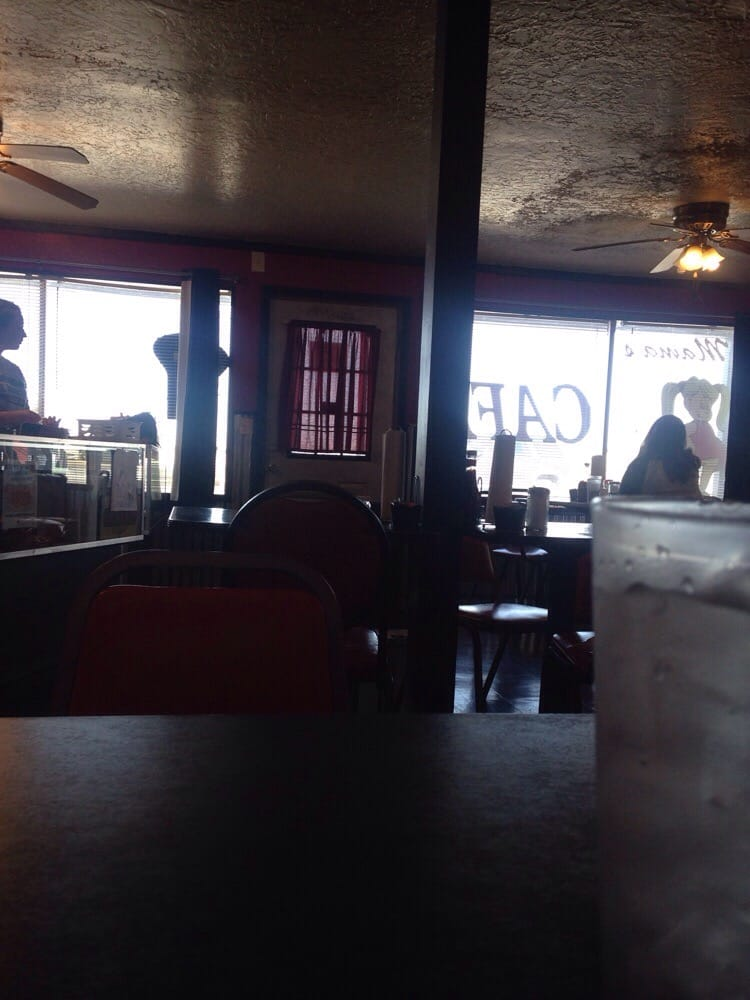 Little Mama's Cafe: 712 W C Ave, Cache, OK