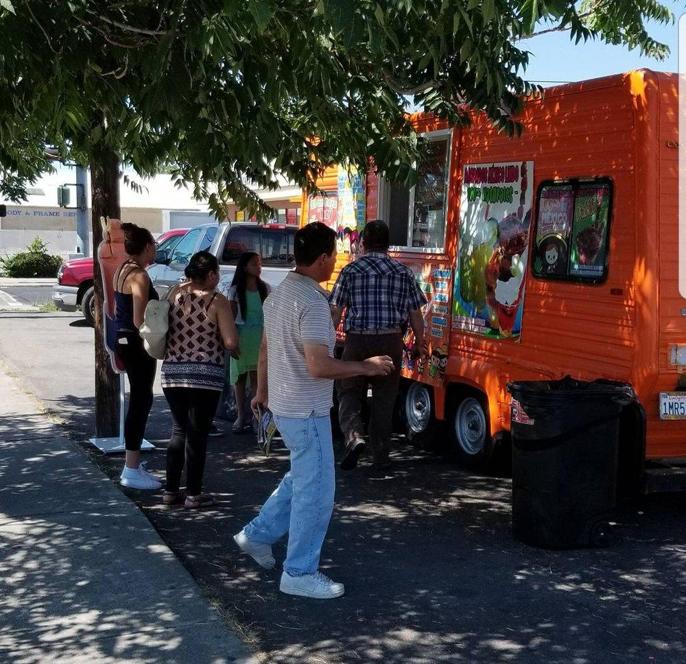 Raspados Mexico Lindo: 1538 E Market St, Stockton, CA
