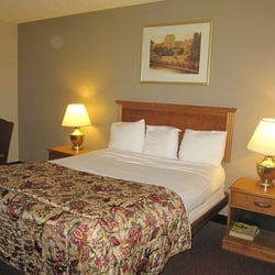 Harbor motor inn 18 photos 10 reviews hotels 1730 for Motor inn brooklyn ny