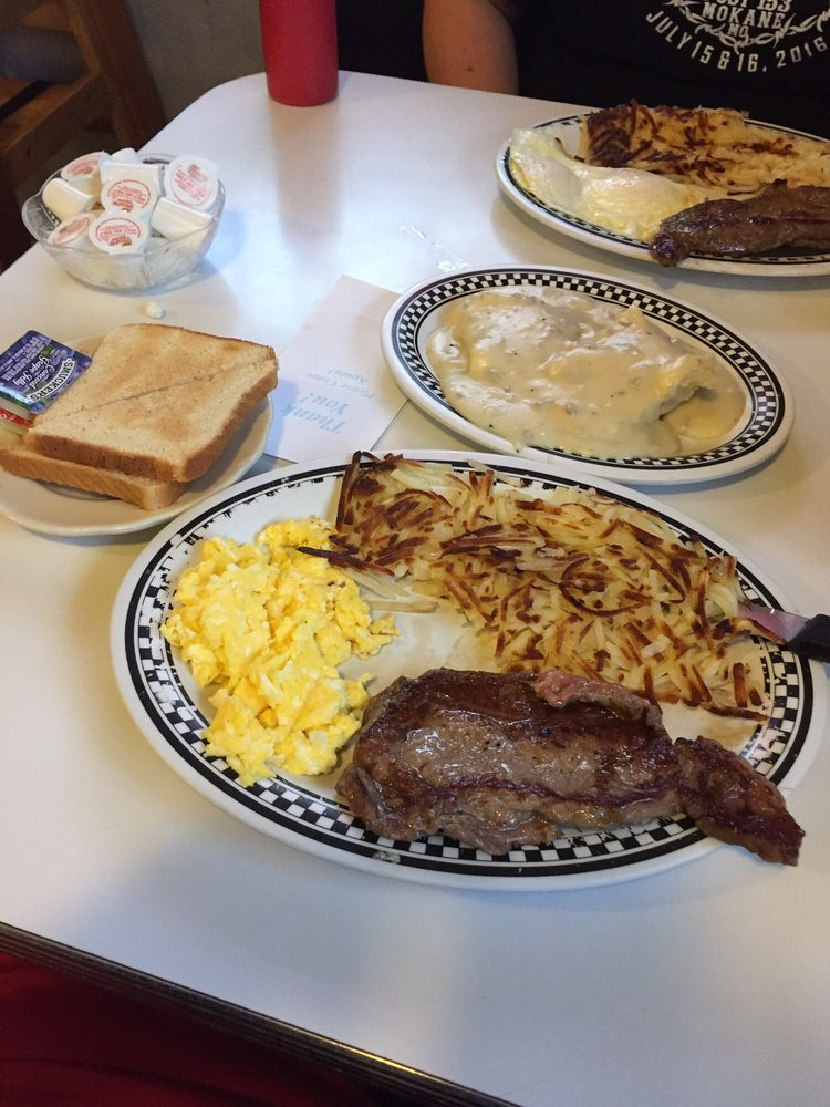 Karon's Classic Diner: 1320 S Business 54, Fulton, MO