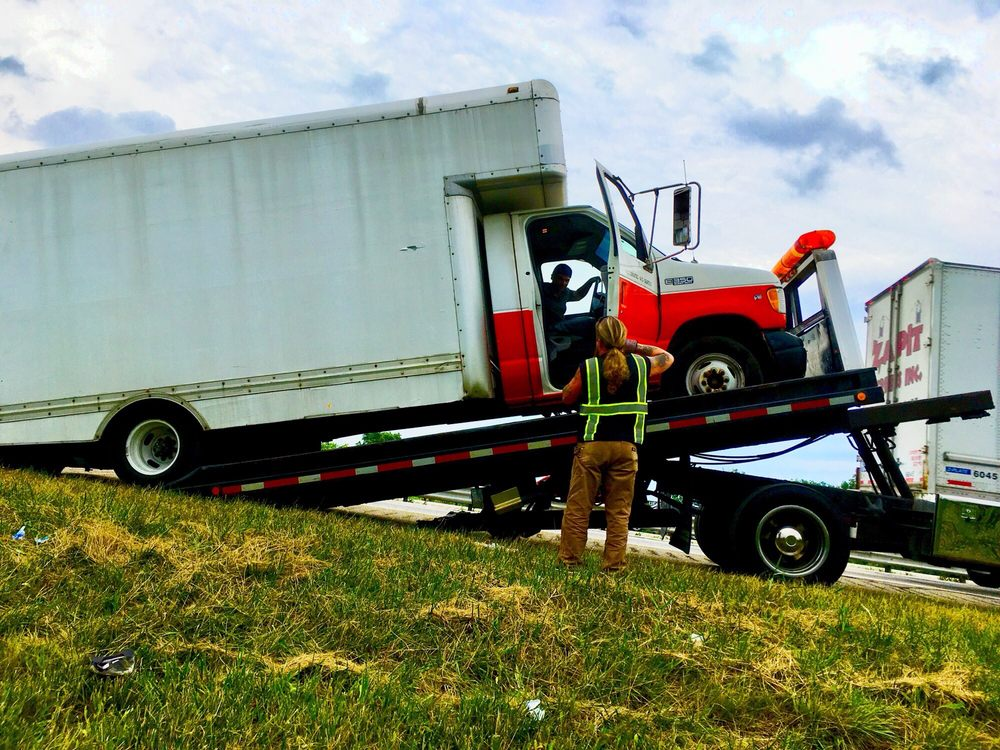 G & L Towing: Madison Heights, MI