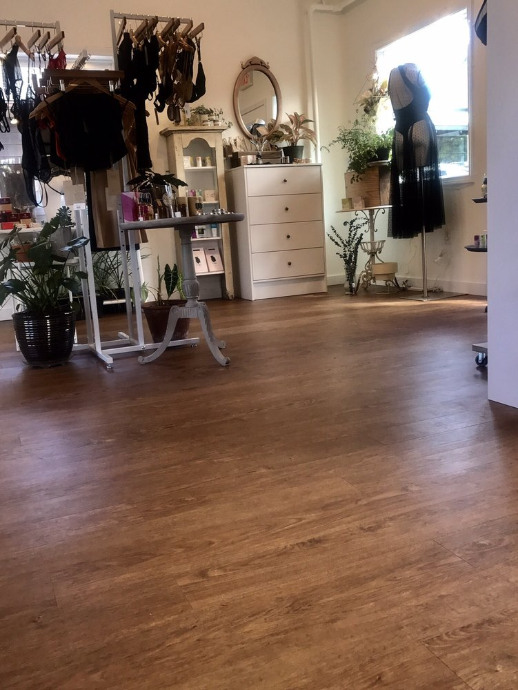 Salix Intimates: 10 Main St, New Paltz, NY