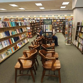Barnes Noble Booksellers Closed 20 Photos
