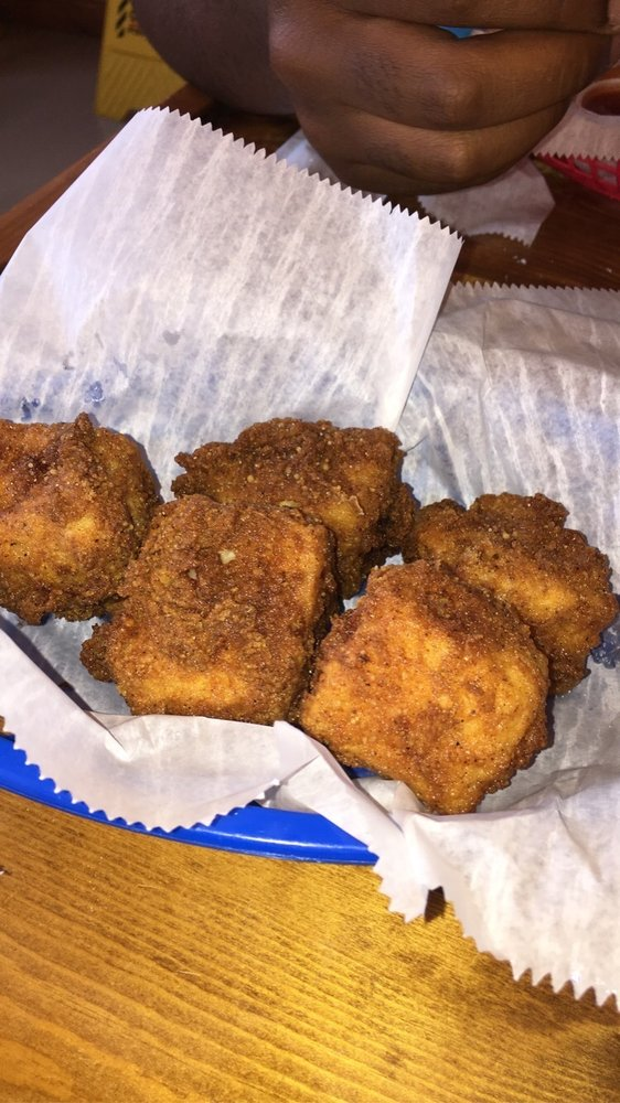 Tastebudz: 363 E Broadway, Newport, TN