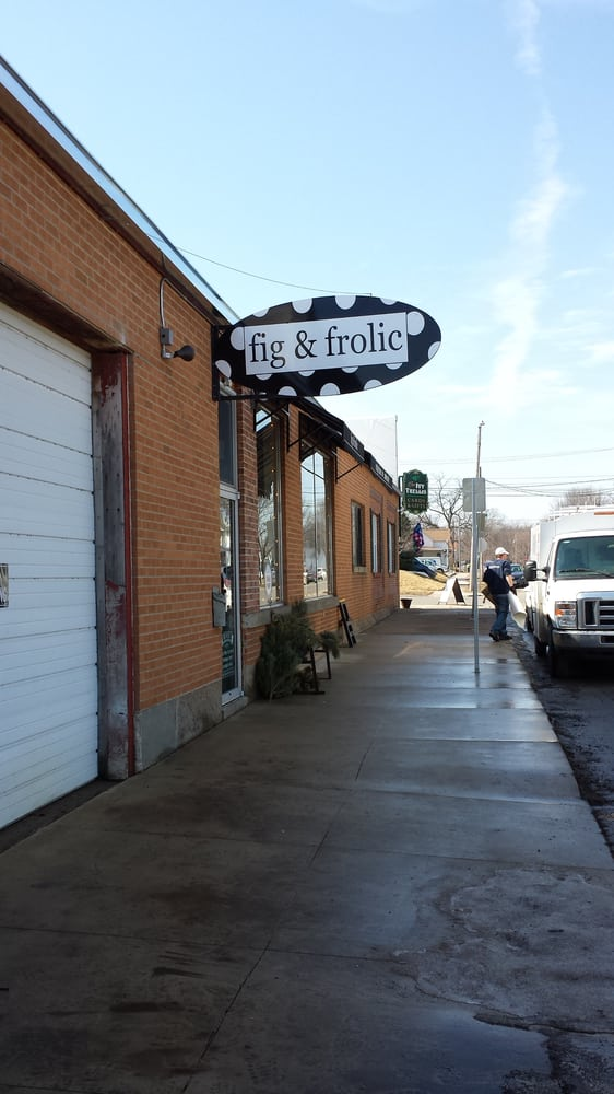 Fig & Frolic: 114 W 5th St, Cedar Falls, IA