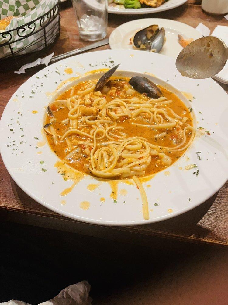 Roma's Italian Bistro: 101 W Main St, Grand Prairie, TX