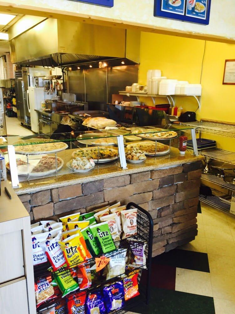 Caretti S Pizza And Italian Restaurant
