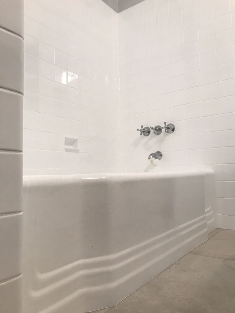 Reglazed Bathtub Diego Even Recaulked Around The Middle