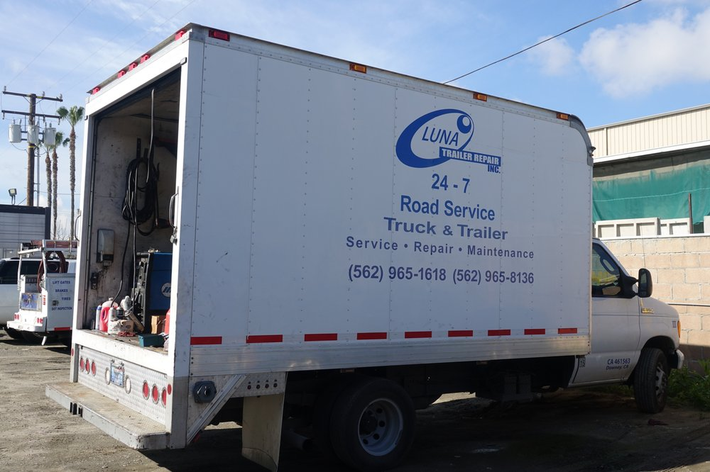 fully equipped road service trucks yelp. Black Bedroom Furniture Sets. Home Design Ideas