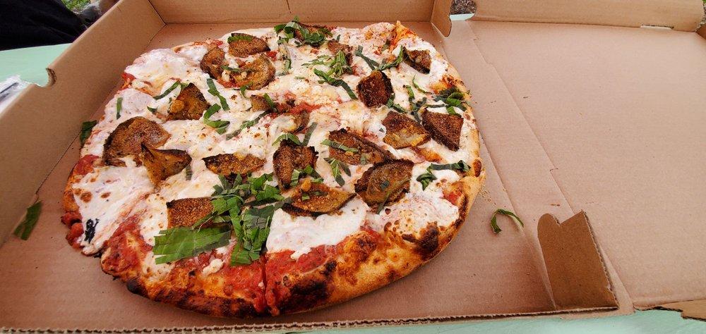 Zizza Authentic Pizzeria: 653 Elm St, Milford, NH
