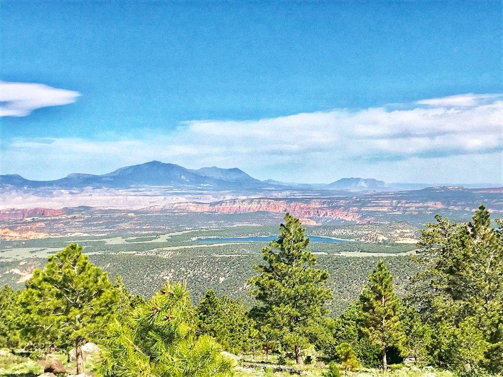 strike valley overlook trail: Burr Trail Rd, Boulder, UT