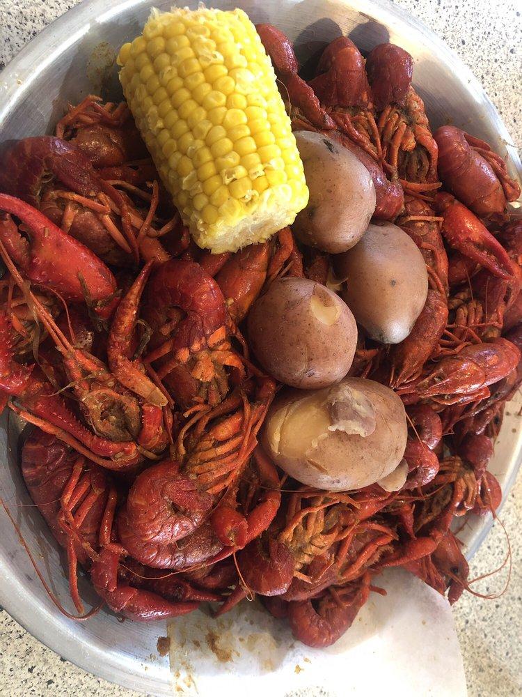Fannett Seafood: 18746 Farm To Market Rd 365, Beaumont, TX
