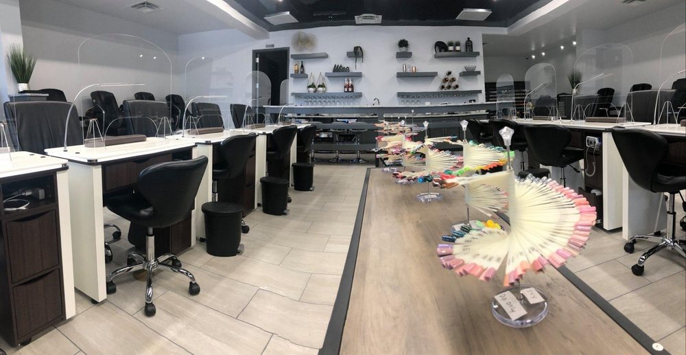 The Nail Bar: 6823 82nd St, Lubbock, TX