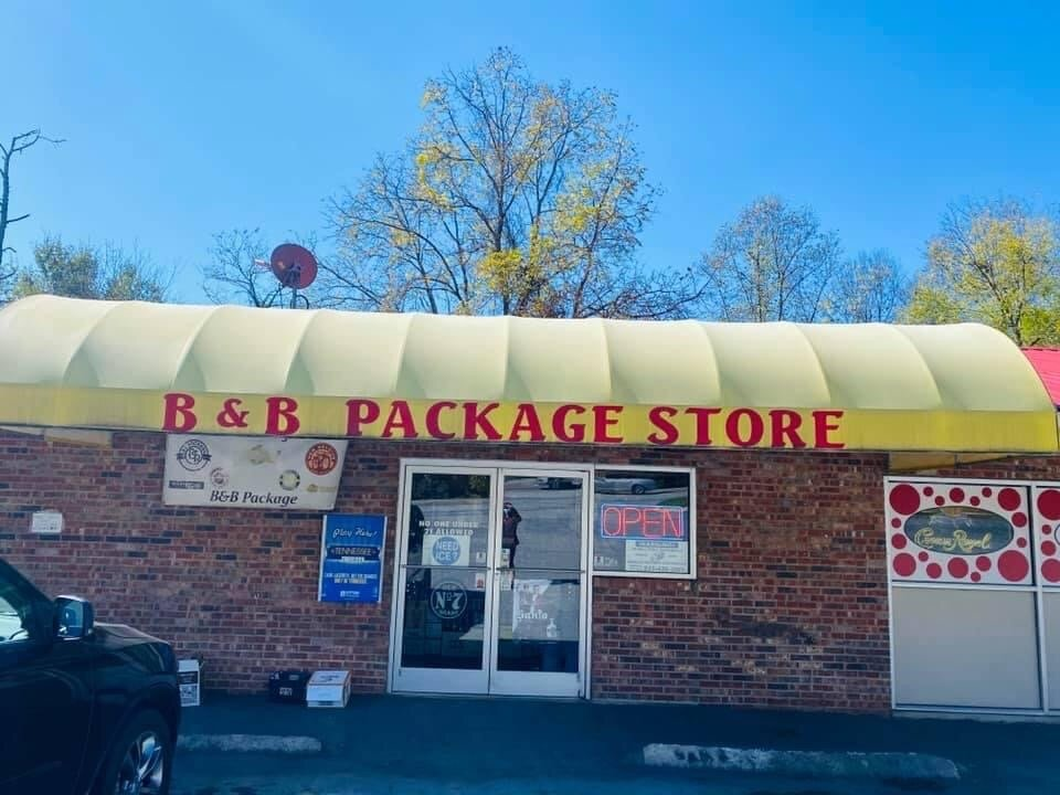 B & B Package Store: 3636 Fort Henry Dr, Kingsport, TN