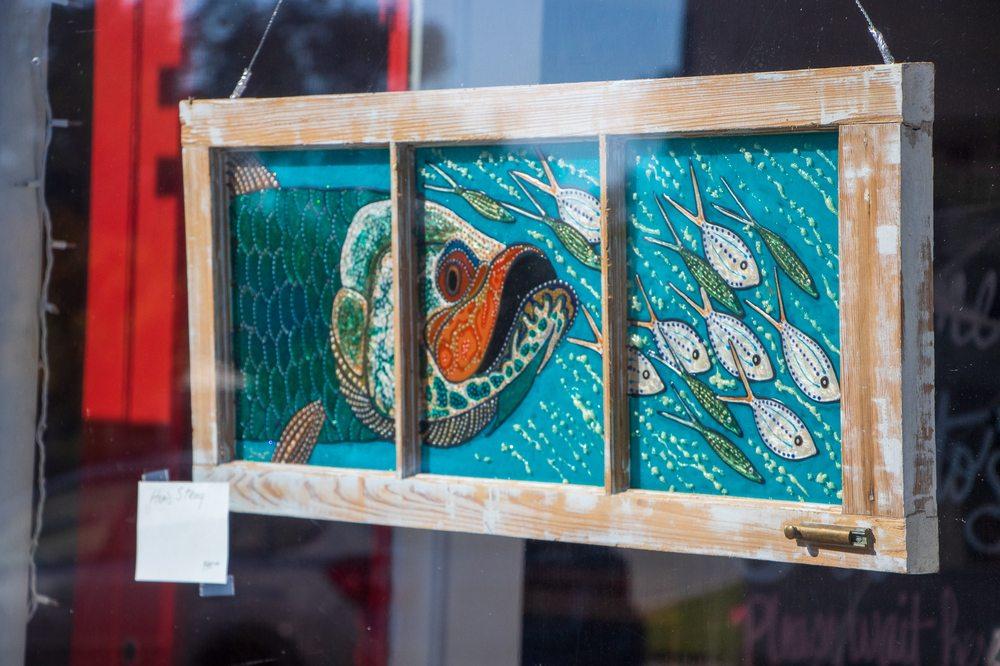 Red Queen Gallery: 57 Market St, Onancock, VA